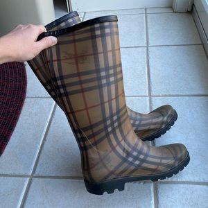 Burberry rain boots in iconic Haymarket check
